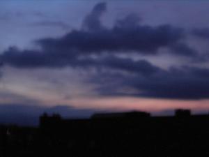 Die Wolken lassen Abkühlung hoffen und kündigen ein nahendes Unwetter an...