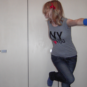 Tag 70: Haarschleife Bastelladen, T-shirt H&M (selbst bedrucken lassen), Stulpen H&M, Jeans Mister*Lady, Socken unbekannt