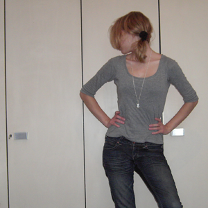 Day 91: Top Mister*Lady, Jeans H&M,  hair tie H&M kids, necklace SIX