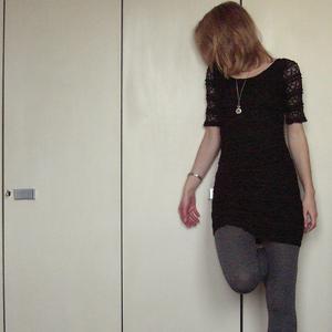 Tag 115: Kleid H&M, Strumpfhose unbekannt, Kette Erbstück