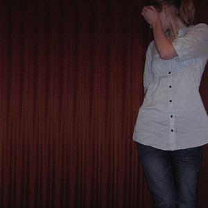 Tag 123: Bluse und Perlenohrringe H&M, Jeans Mister*Lady