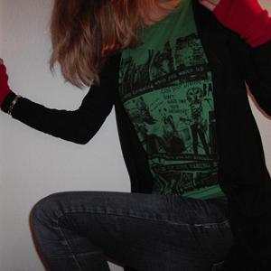 Tag 133: Stulpen H&M, Strickjacke Pimkie, T-shirt Gina Tricot, Jeans Mister*Lady