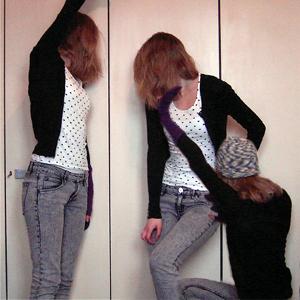 Tag 151: Strickjacke und Jeans H&M, T-shirt Pimkie, Handschuhe SIX, Strickmütze selbstgemacht von meiner Mum