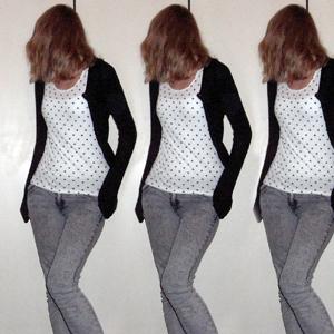 Tag 152: Strickjacke und Jeans H&M, T-shirt Pimkie