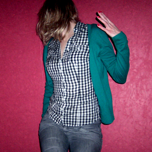 Tag 174 (27.12.2010): Strickjacke und Bluse H&M, Jeans Mister*Lady
