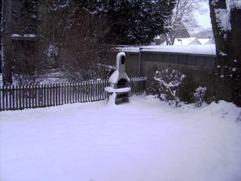 Schnee, Schnee, Schnee, Schnee (da war es noch nicht so schlimm... yuhu der Garten)