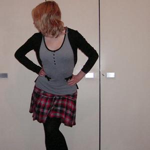 Tag 184 (05.01.2011): Strickjacke Pimkie, Oberteil H&M, Rock selbstgemacht von meiner Mum, Strumpfhose C&A