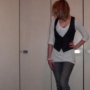 Tag 189: Top H&M, Oberteil Vero Moda, Weste Pimkie (neu :3), Jeans Mister*Lady, Armbanduhr Fossil