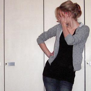 Tag 208: Sweatshirtpulli unbekannt, T-shirt Avanti, Jeans Mister*Lady, Haarspange H&M