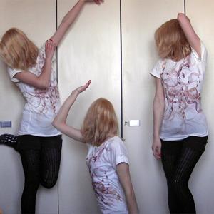 Tag 260 (22.03.2011): T-shirt Avanti, Shorts Primark, Strumpfhose Gina Tricot, Rutschersocken Eineuroladen