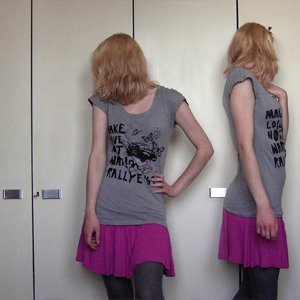 Tag 279: T-shirt Review, Rock H&M, Strumpfhose C&A, Schmetterlingshaarspange Wochenmarkt