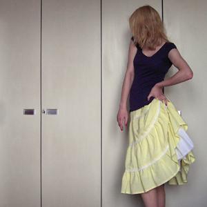 Tag 290 (21.04.2011): T-shirt H&M, Rock und Petticoat selbstgemacht (von meiner Mum)