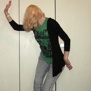 Tag 296: Strickjacke Pimkie, T-shirt Gina Tricot, Jeans H&M, Uhr Fossil