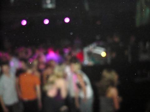2009: Vorabiparty 2 (das Foto fasst den Abend gut zusammen...) (19 Jahre)