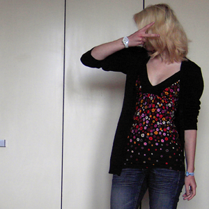 Tag 352 (23.06.2011): Strickjacke H&M, Top Avanti, Jeans Mister*Lady, Uhr Fossil