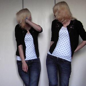 Tag 353: Strickjacke unbekannt, T-shirt Pimkie, Jeans Mister*Lady