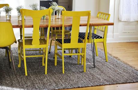 Sehr schön ist auch dieses DIY für highlight Stühle - Bild und DIY von abeautifulmess