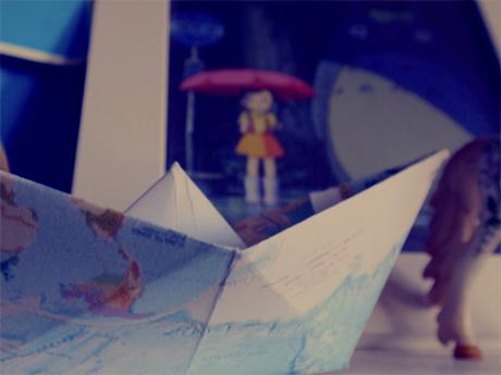 Weltkartenschiff und Totorobild