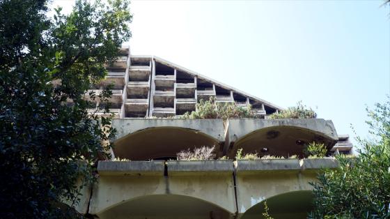 Ein verlassenes Hotel