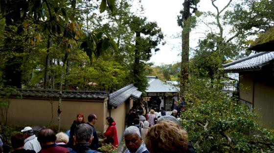 So viele ausländische Touristen, wie am Kinkaku-ji hab ich während meines gesamten Japantrips nicht gesehen.