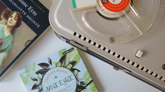Das Buch Jane von Charlott Bronte als Hörspiel auf drei CD's vom Hörverlag herausgegeben.