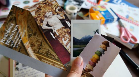 Andenken und Polaroids, die ich im Urlaub gesammelt habe.
