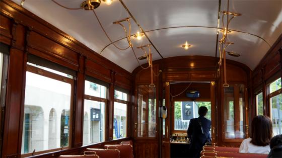 So wie in Porto sollte man immer Straßenbahn fahren.