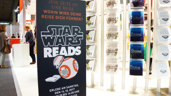 Auch BB-8 liest auf der Buchmesse.
