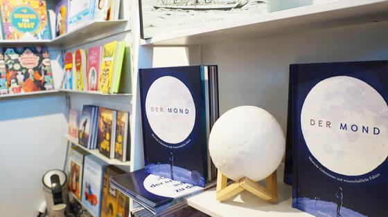 """360° war meine Verlagsüberraschung des Jahres mit """"Der Mond""""."""